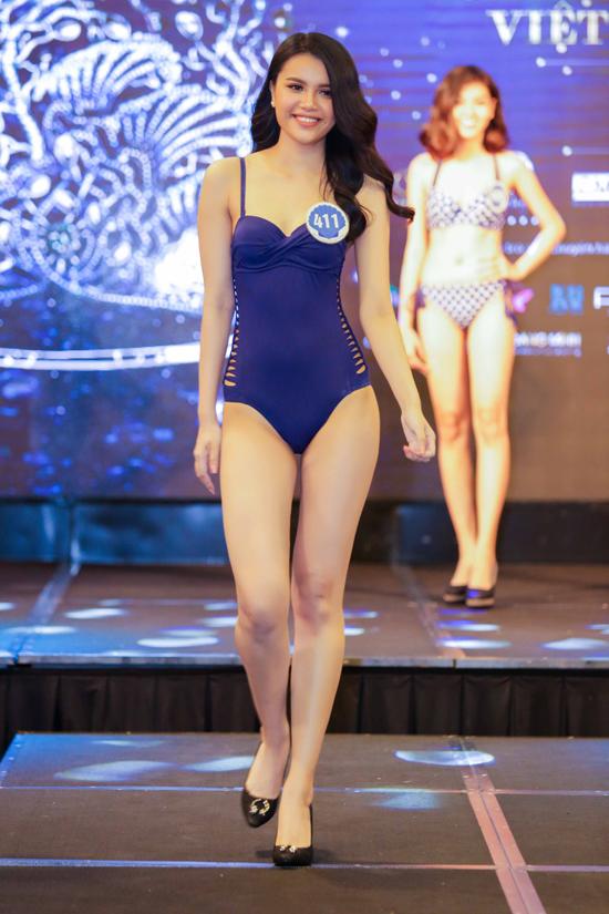 thi-sinh-hoa-hau-dai-duong-khoe-dang-nuot-na-voi-bikini-1
