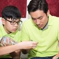 Con trai riêng của Cát Phượng thân thiết bên Kiều Minh Tuấn