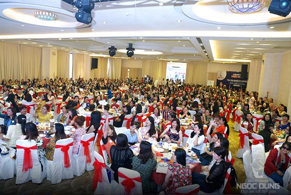 Hơn 500 người tham dự hội thảo.