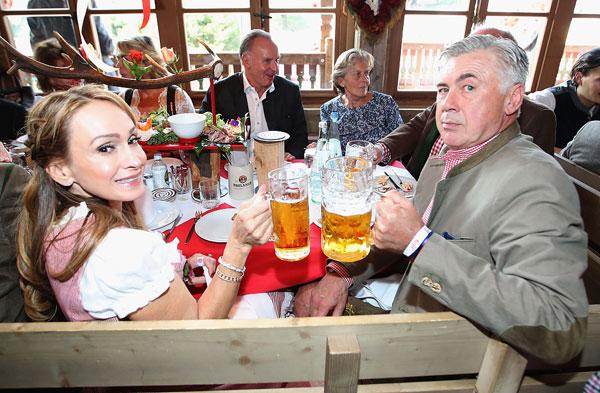 sao-munich-cung-nua-kia-tung-bung-o-le-hoi-bia