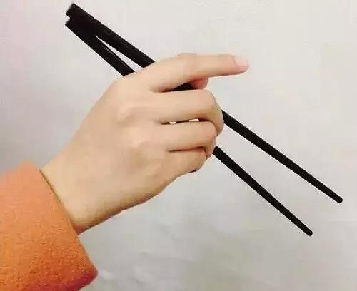 kieng-ky-khi-dung-dua-cua-nguoi-xua-ban-co-vo-tinh-pham-phai-5