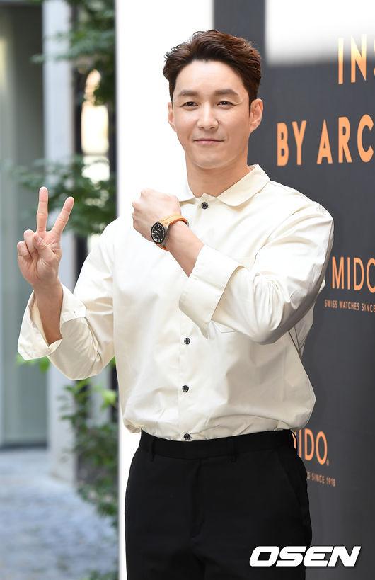 han-chae-young-tuoi-37-khien-khan-gia-nguong-mo-vi-su-tuoi-tre-6