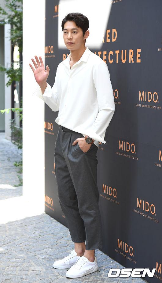 han-chae-young-tuoi-37-khien-khan-gia-nguong-mo-vi-su-tuoi-tre-7