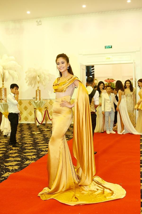 dan-hoa-hau-mung-sinh-nhat-10-tuoi-cua-angel-beauty-6