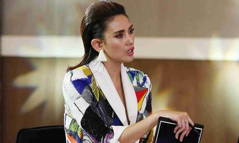 Võ Hoàng Yến 'hét ra lửa' khi tập catwalk cho top 70 Hoa hậu Hoàn vũ VN