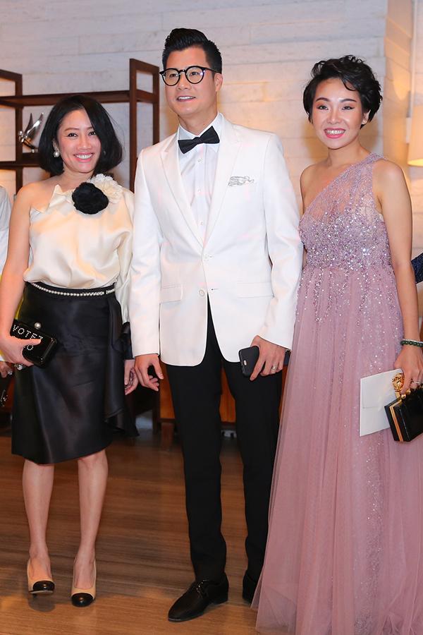 Ca sĩ Quang Dũng và các khách mời.
