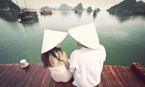 Cặp đôi mang theo chân máy tự chụp ảnh khắp 5 châu lục