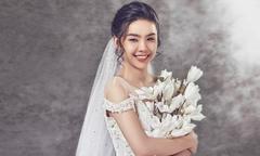 Những kiểu váy lộng lẫy cho tiệc cưới mùa thu