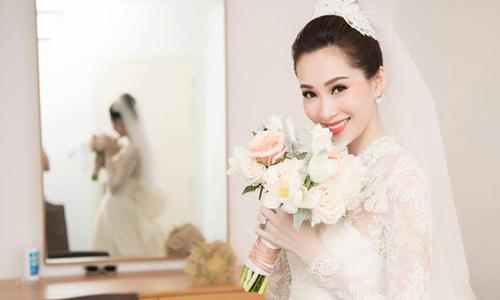 Váy cưới hàng nghìn viên pha lê lấp lánh của Hoa hậu Đặng Thu Thảo