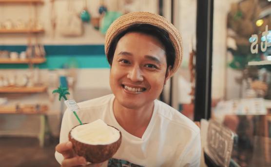 quang-vinh-tu-van-cac-mon-ngon-rot-nuoc-mieng-o-cho-dem-phuket