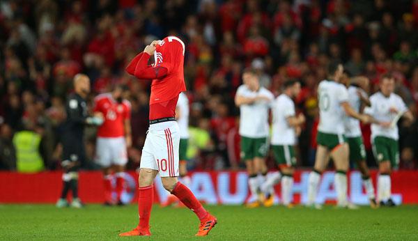 Số 10 của xứ Wales không giấu được sự tuyệt vọng, buồn chán vì giấc mơ dự World Cup tan
