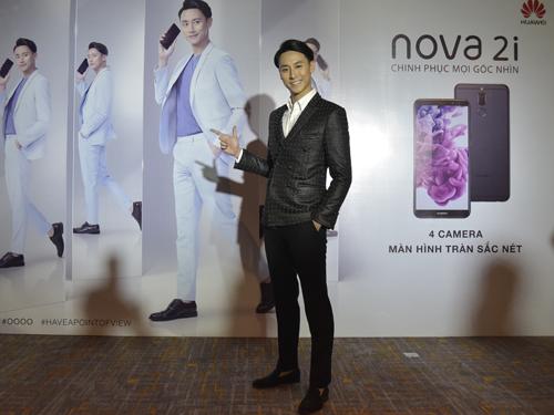 huawei-ra-mat-smartphone-vien-mong-4-camera-gia-5-9-trieu-dong-1