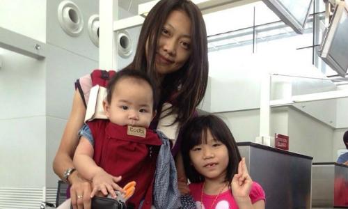 'Mẹ siêu nhân' cho cả 3 con bú sữa mẹ 10 năm liên tục