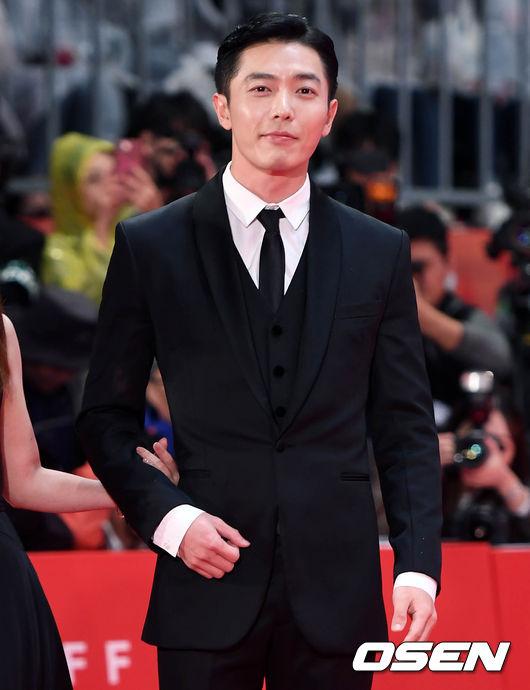 Tài tử Kim Jae Wook.