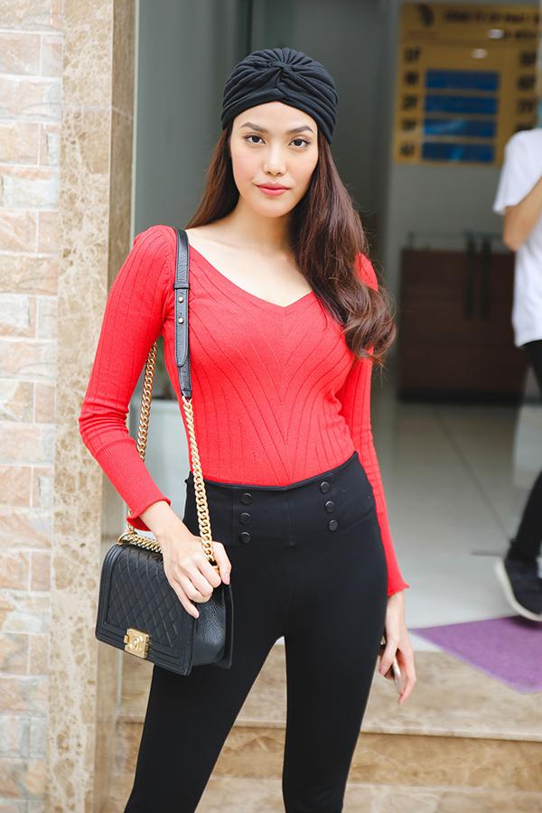 hoang-thuy-lan-khue-ca-tinh-di-casting-model-3