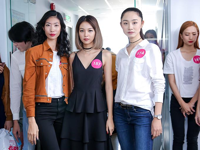 Show diễn quy tụ nhiều nhà thiết kế tên tuổi như Võ Công Khanh, Anna Võ, Trương Thanh Long, Hà Nhật Tiến, Vicent Đoàn