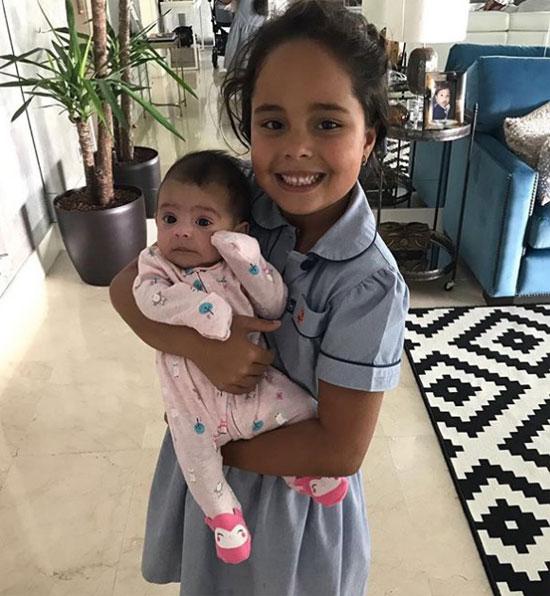 Hai con gái của Roberto Carlos.