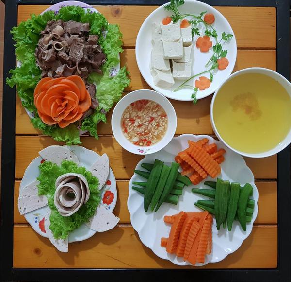 co-chi-ca-kheo-chi-tieu-voi-mam-com-50-nghin-dong-cho-ba-nguoi