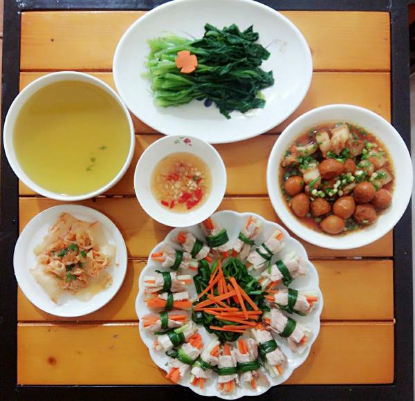 co-chi-ca-kheo-chi-tieu-voi-mam-com-50-nghin-dong-cho-ba-nguoi-6