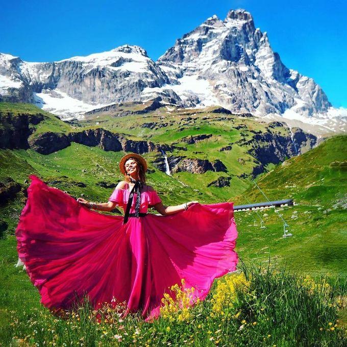 'Câu chuyện chiếc váy tung bay' của cô nàng đi khắp thế giới