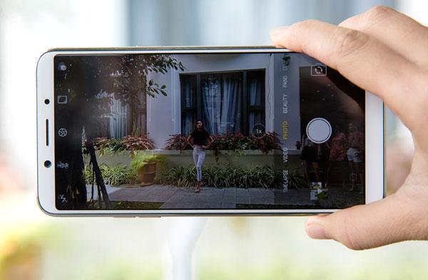 oppo-f5-co-nhan-dien-khuon-mat-camera-ai-sap-ra-mat