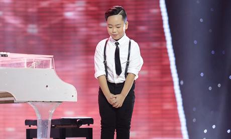 Quốc Thái hát bản tiếng Việt của 'Untitle 2014'