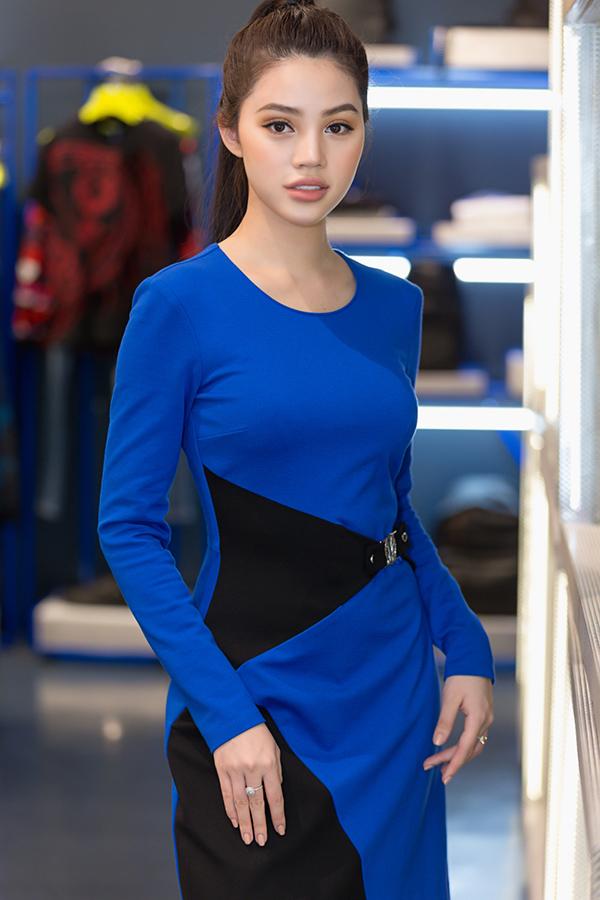 jolie-nguyen-manh-tay-dau-tu-hang-hieu-du-seoul-fashion-week-5