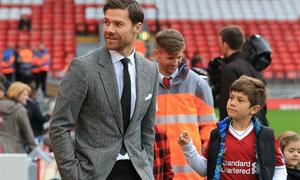 Lý do dễ thương Xabi Alonso trở lại sân Anfield