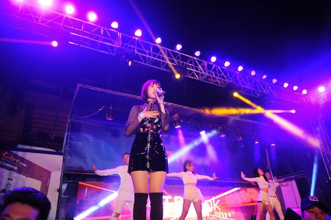 Min và Erik cùng góp mặt trong sự kiện âm nhạc tại cung thể thao Quần Ngựa, Hà Nội, vào ngày 14/10.
