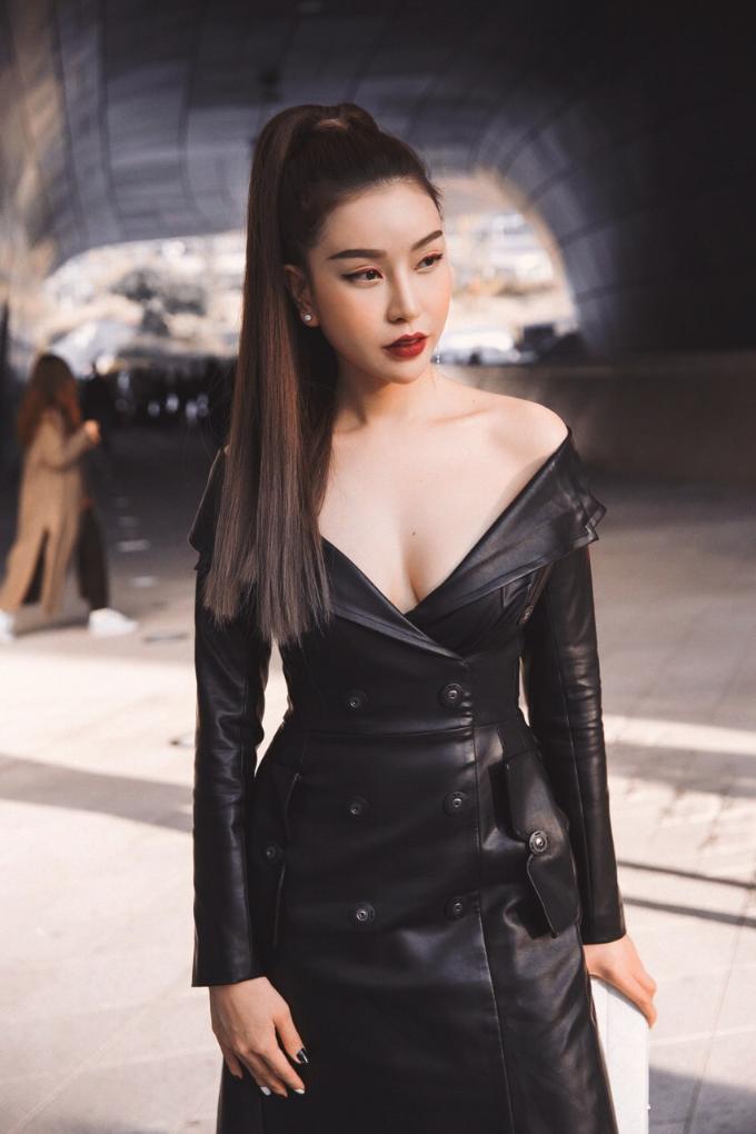 hoa-hau-lam-cuc-di-xe-sang-du-seoul-fashion-week-3