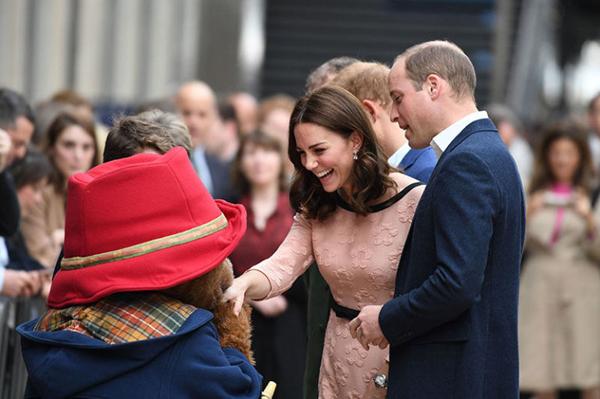 Kiểu tóc mới của Nữ công tước xứ Cambridge nhận được nhiều lời khen ngợi.