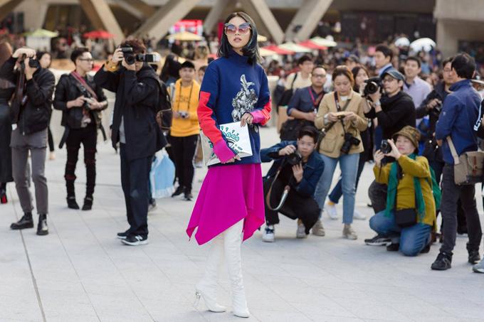 sao-viet-do-net-ca-tinh-khi-tham-su-seoul-fashion-week