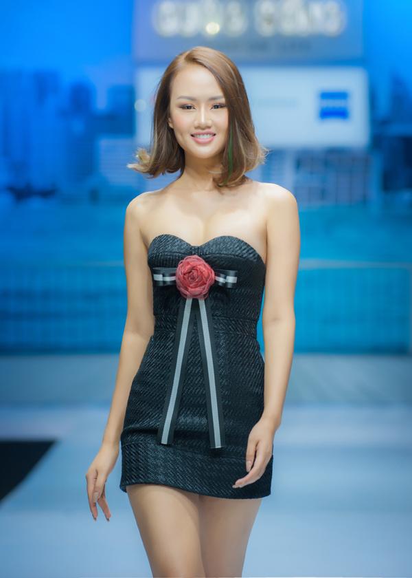 nhung-mau-vay-ngan-sexy-cho-mua-tiec-tung-10