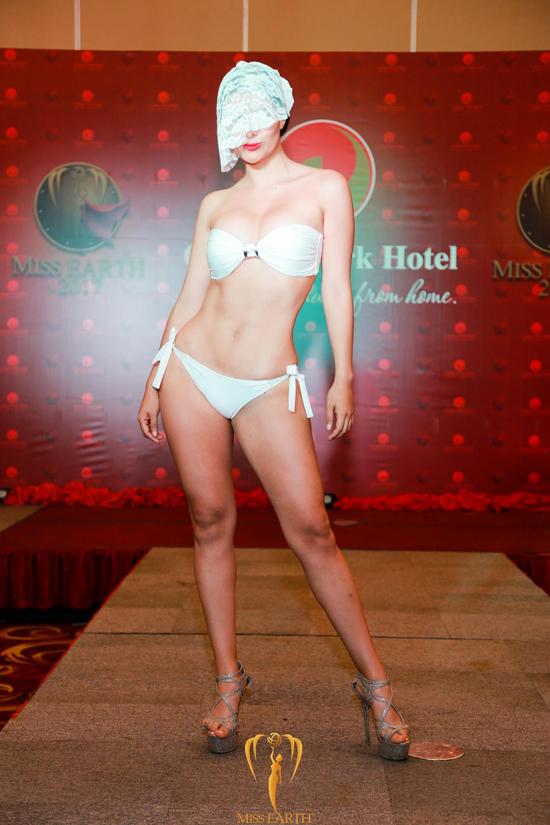 ha-thu-va-cac-thi-sinh-miss-earth-deo-mang-trinh-dien-bikini-11