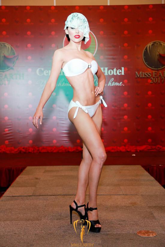 ha-thu-va-cac-thi-sinh-miss-earth-deo-mang-trinh-dien-bikini-13