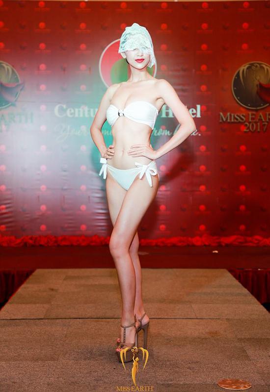 ha-thu-va-cac-thi-sinh-miss-earth-deo-mang-trinh-dien-bikini-1