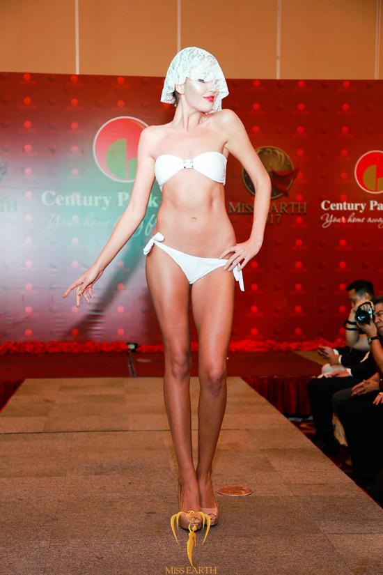 ha-thu-va-cac-thi-sinh-miss-earth-deo-mang-trinh-dien-bikini-14