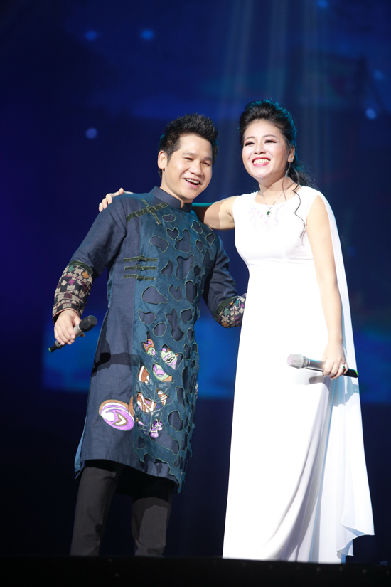 trong-tan-duoc-vo-make-up-cham-soc-ky-luong-trong-liveshow-8