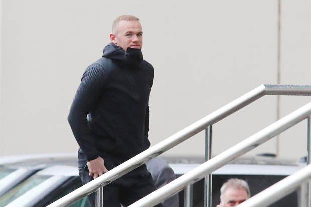 Rooney tới khách sạn Lowry ở Manchester chiều 20/10 chỉ 30 phút trước khi các đồng đội cũ ở MU