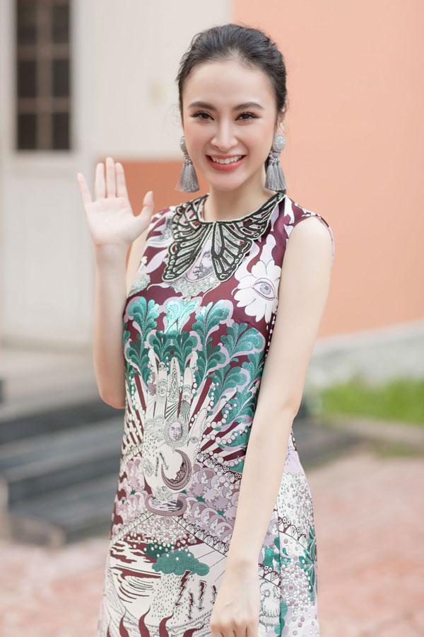 angela-phuong-trinh-tiet-lo-thich-mau-ban-trai-giong-huu-vi-1