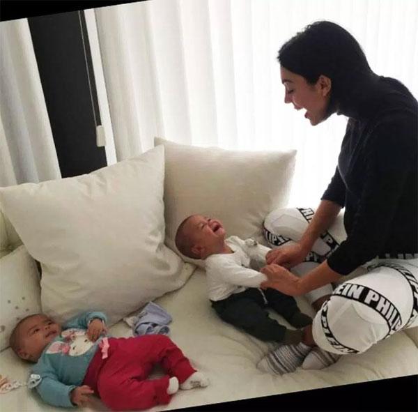Khoảnh khắc đáng yêu của bà bầu Georgina Rodriguez bên nhóc Mateo