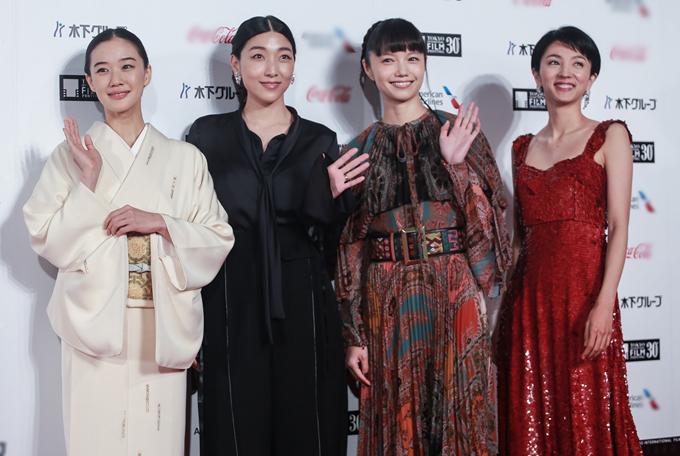 Bốn nàng thơ của điện ảnh Nhật Bản (từ trái sang)  Yu Aoi, Sakura Ando, Miyazaki Aoi và Hikari Mitsushima. Cả bốn đều đóng phim từ rất sớm và nay được tôn vinh khi tất cả đã ngoài 30 tuổi.