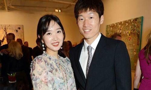 Vợ chồng Park Ji Sung sắp có em bé thứ hai