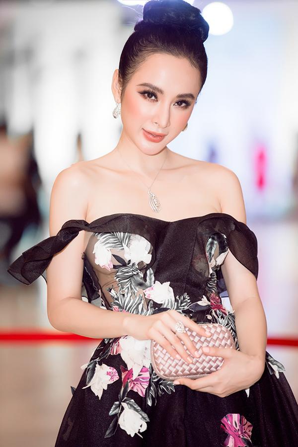 angela-phuong-trinh-deo-trang-suc-2-5-ty-dong-di-su-kien