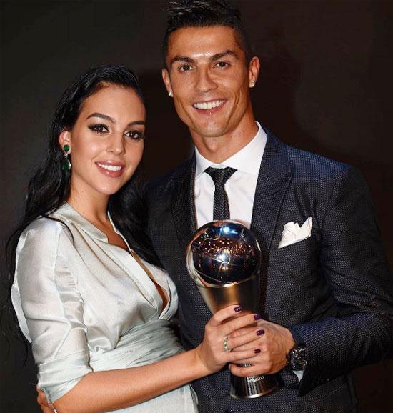 C. Ronaldo và Georgina Rodriguez đón con gái đầu lòng vào cuối tháng 11