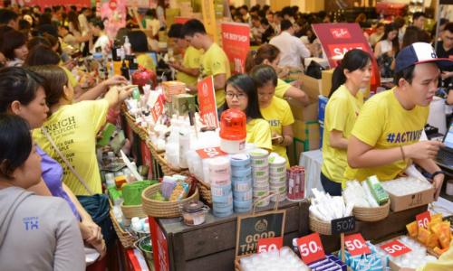 200 thương hiệu mỹ phẩm, thời trang giảm 50% tại TP HCM