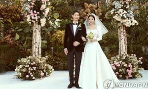 Tiết lộ về trang phục cưới hàng hiệu của cặp Song - Song