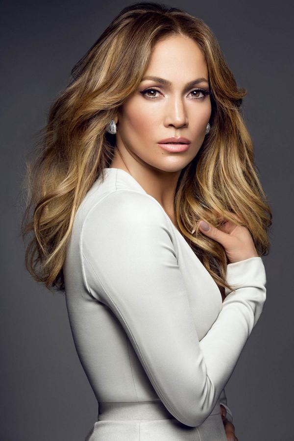 Jennifer Lopez nói không tuyệt đối với rượu, cà phê và thuốc lá. Người đẹp chia sẻ với tạp chí Us Weekly, Chúng thực sự là liều thuốc độc với làn da, nhất là khi bạn đã có tuổi.