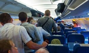 Vì sao sau khi hạ cánh, hành khách phải chờ lâu mới được rời máy bay