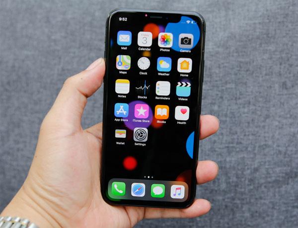 iphone-x-dau-tien-ve-viet-nam-gia-60-trieu-dong-1